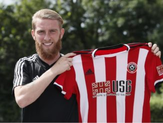 McBurnie signs with the Blades