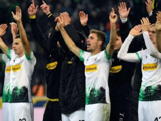 Gladbach celebrates win over Frankfurt