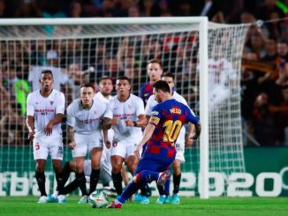 Messi scores a free kick against Sevilla