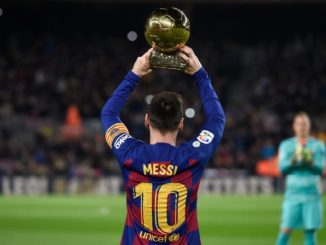 Messi exhibits his 6th Ballon d'Or in the Camp Nou.